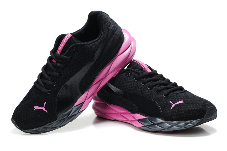 women puma running shoes